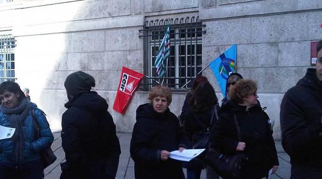 protesta precari gaslini