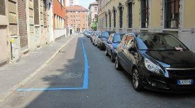 strisce blu...a Napoli