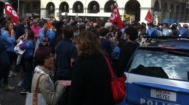 Attentato Brindisi: in piazza a Savona