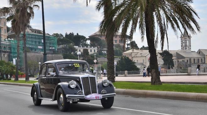 rievocazione circuito della superba le auto d 39 epoca sfilano in corso italia vince scotto su. Black Bedroom Furniture Sets. Home Design Ideas