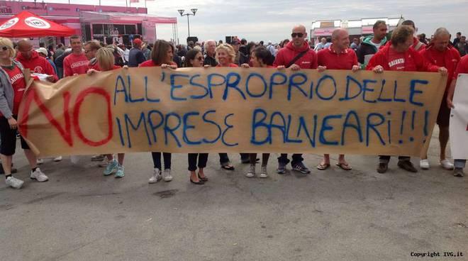 Balneari in protesta al Giro d'Italia