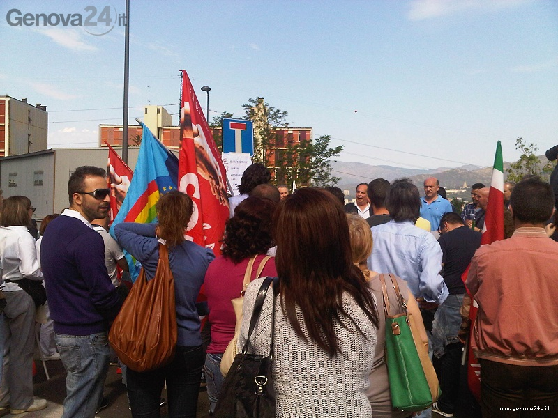 protesta erzelli lavoratori mensa ericsson