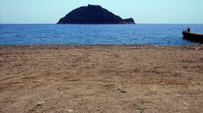 spiaggia libera Vadino