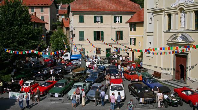raduno di auto e moto storiche