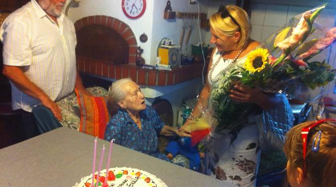 angela delfino, 103 anni albenga