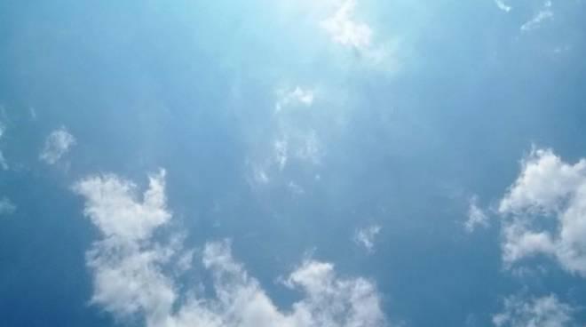 caldo con nuvole