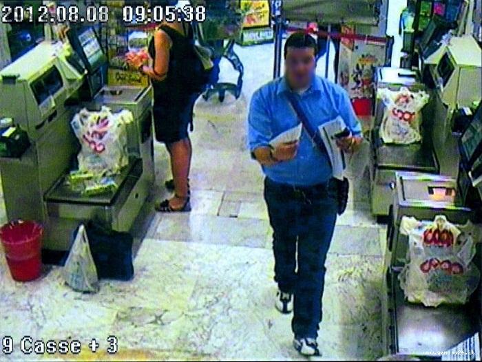 ladro di bancomat e carte alla coop