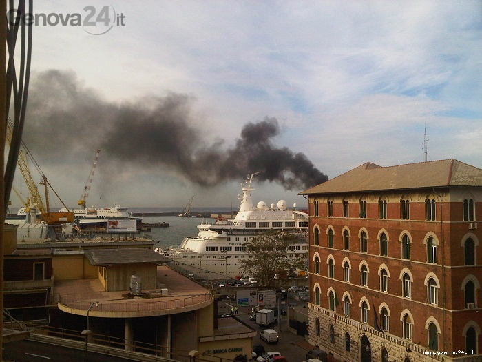 incendio cisterna porto