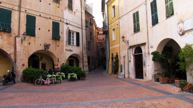 Toirano, piazza San Martino