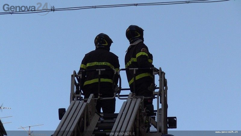vigili del fuoco autoscala