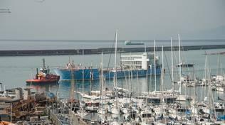 distacco nave blu