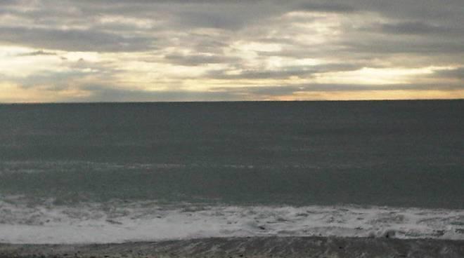 maltempo voltri spiaggia
