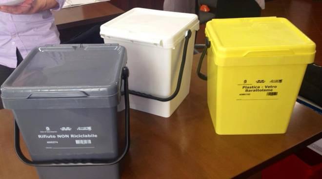 differenziata a tovo: cestini con codice