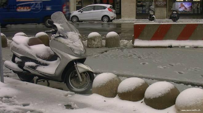 neve a genova scooter