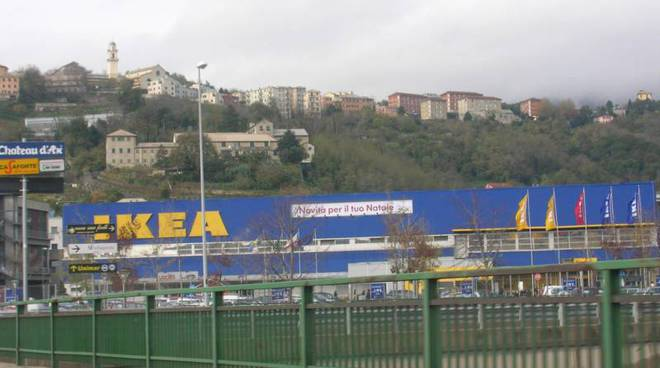 Crollo Ponte Morandi Ikea Decathlon E Gli Altri Clienti In Calo