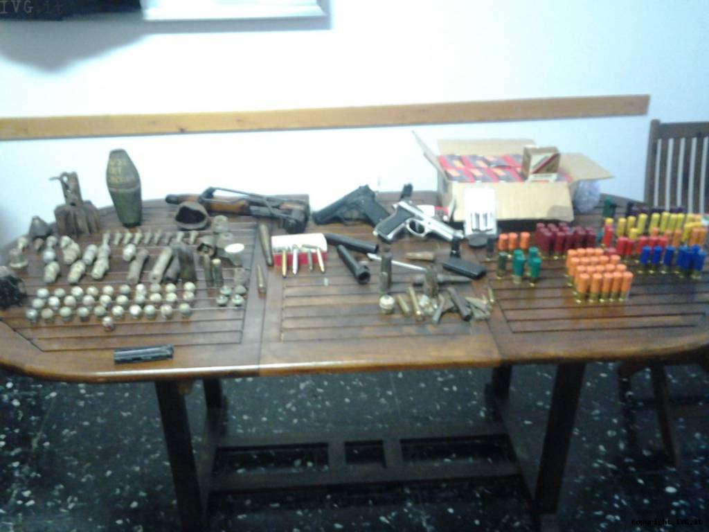 possesso illecito di munizioni e materiale esplodente