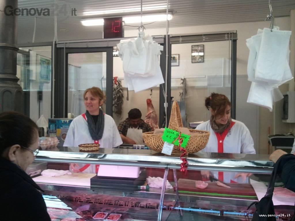 mercato via ferro sestri ponente