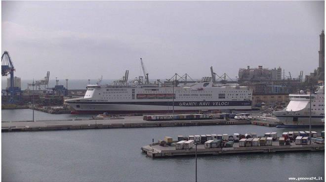porto di genova terminal traghetti