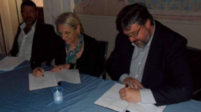 Albenga, firma protocollo d'intesa polo scolastico