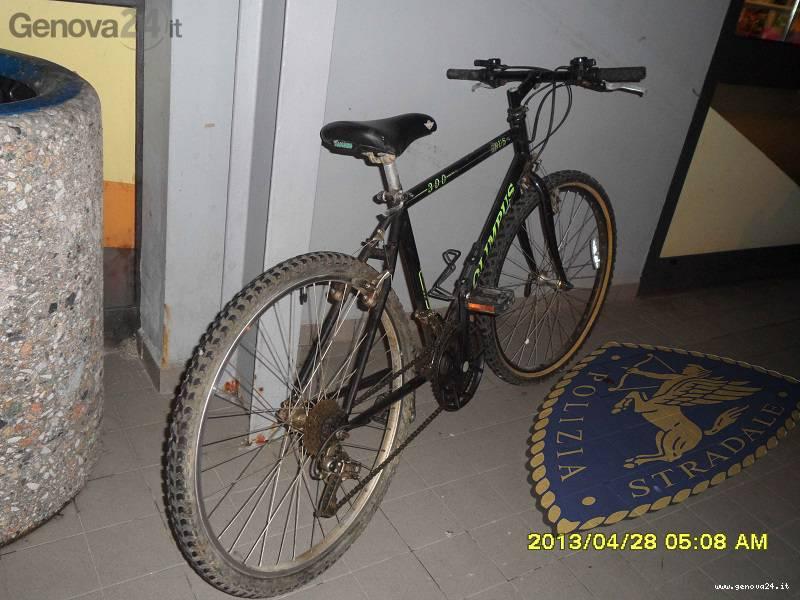 bicicletta polizia stradale