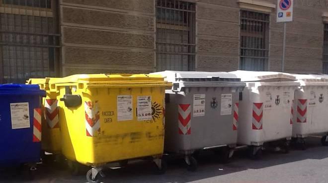 cassonetti rifiuti albenga