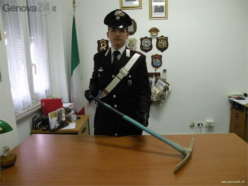 piccone carabinieri