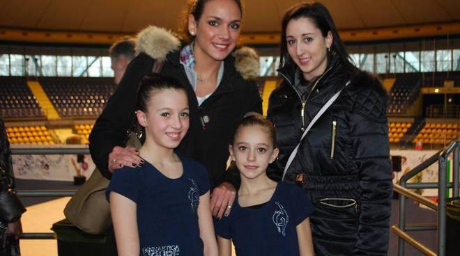 Salomè Pontanari e Maia Felandro con le ginnaste della squadra nazionale