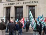 Savona - lavoratori protesta prefettura