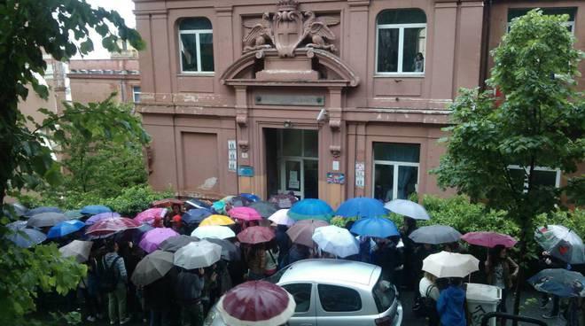 deledda protesta studenti