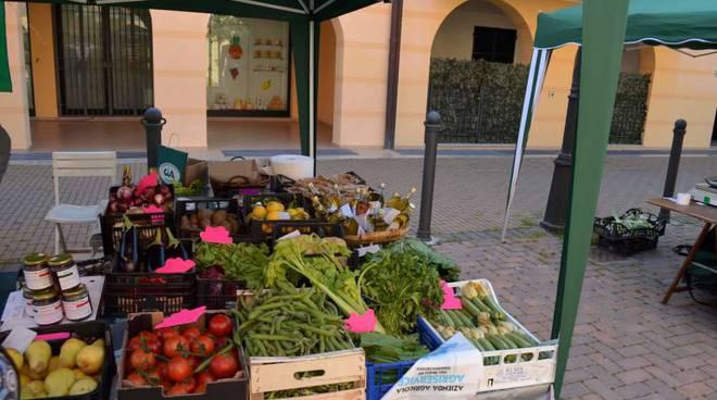 mercato contadino andora