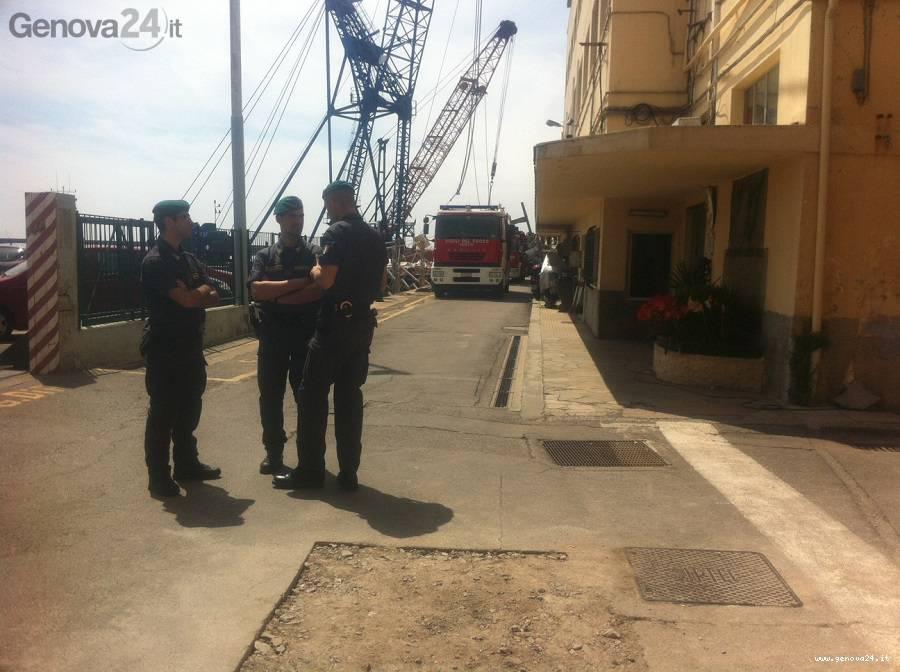 Porto di Genova schianto al molo Giano