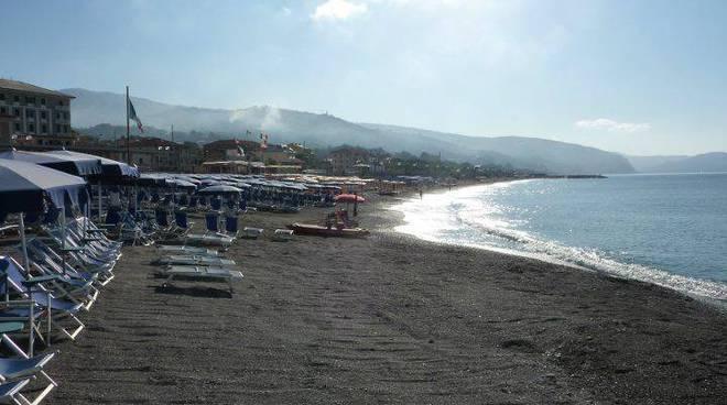 spiaggia lavagna