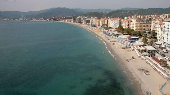 Spiaggia mare Savona