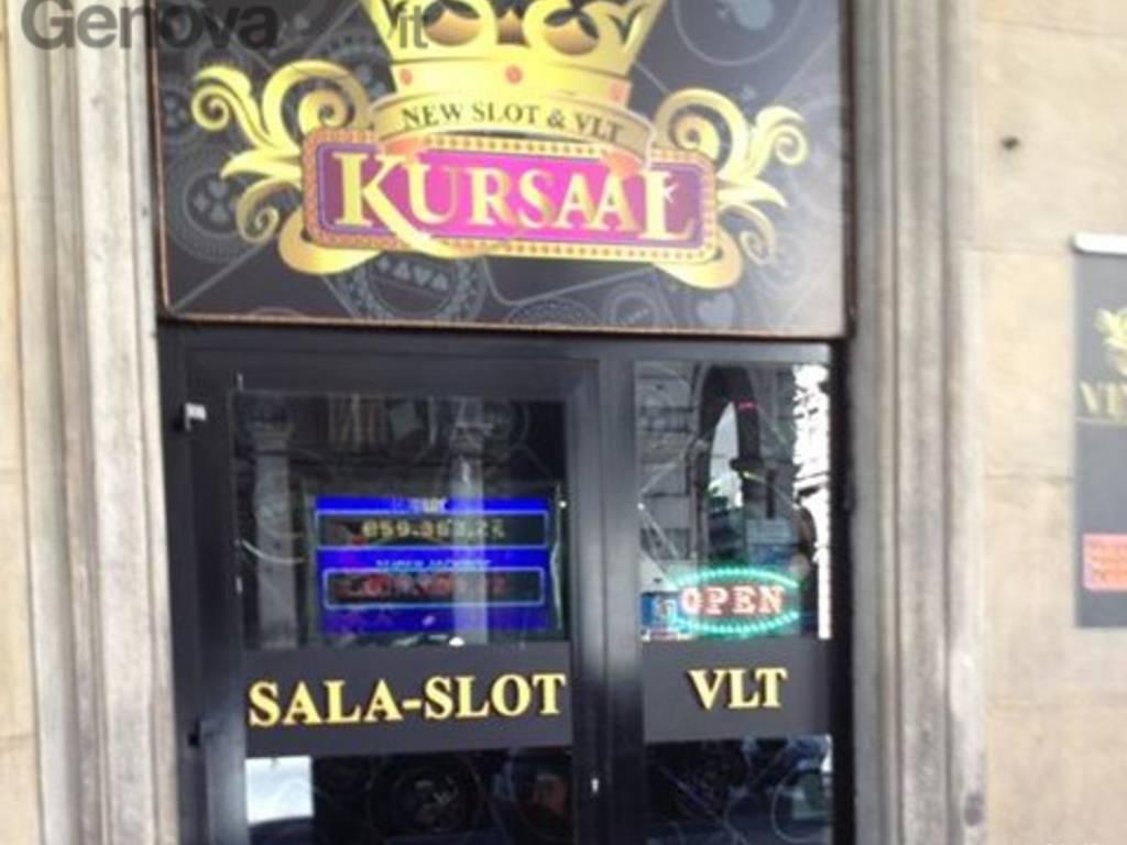gioco azzardo slot machine sala gioco