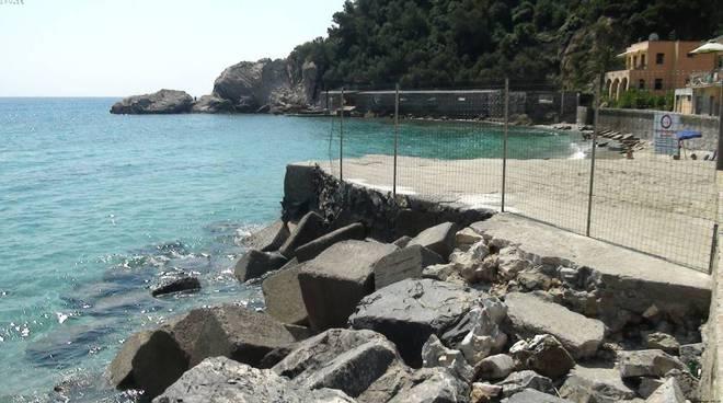 Baia Saraceni spiaggia grata