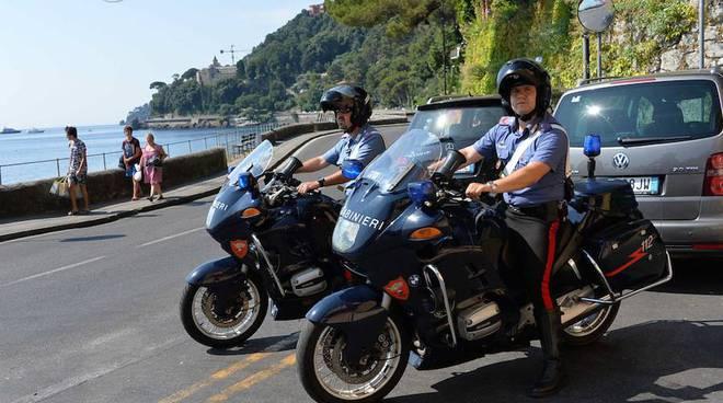 Ombrellone Da Spiaggia Per Moto.Andora Sorpreso Mentre Ruba Tra Gli Ombrelloni Arrestato Ladro Da