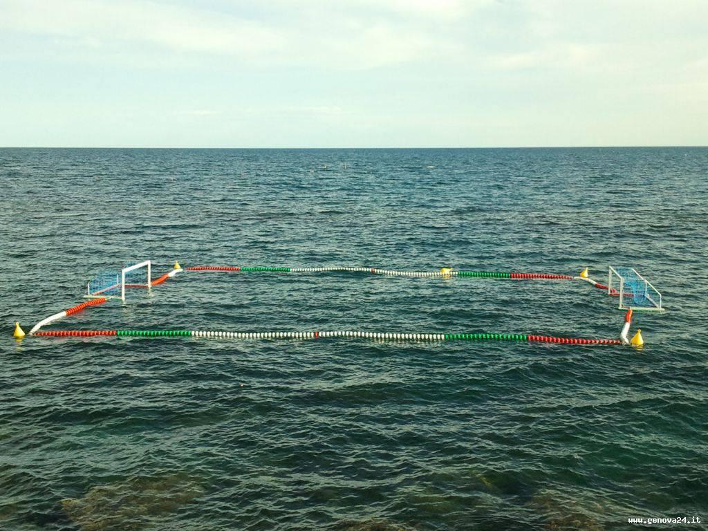 pallanuoto campo in mare