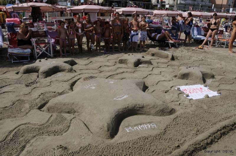 Alassio tutto pronto per la sfida degli architetti dei for Setacciavano la sabbia dei fiumi