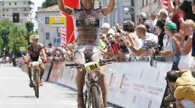 Mirko Celestino vince