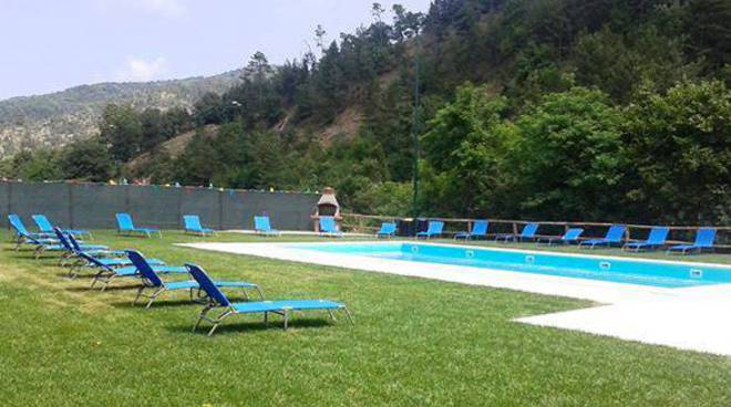 piscina area camper