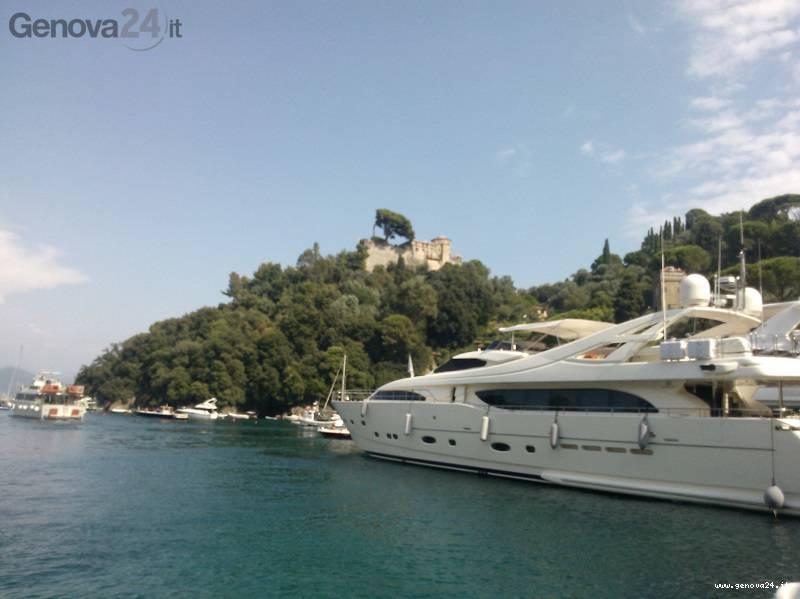 portofino yacht castello brown