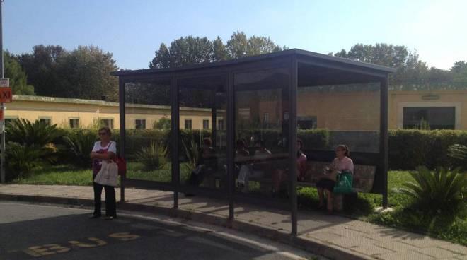 pensilina all'interno dell'Ospedale Santa Maria di Misericordia di Albenga