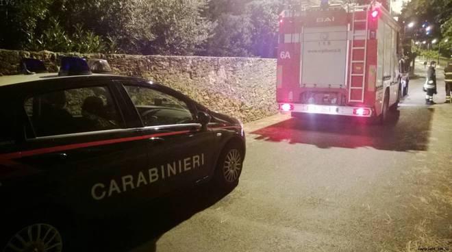 Carabinieri notte e vigili del fuoco