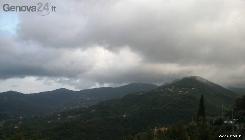 colline nuvole pioggia