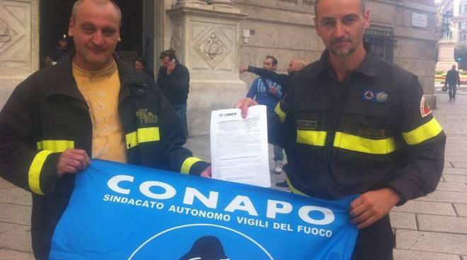 Protesta vigili del fuoco Conapo