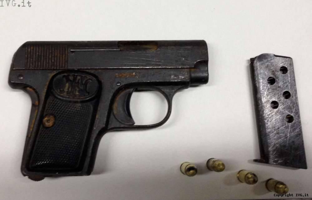 Pistola con matricola abrasa sequestrata dai carabinieri di Millesimo