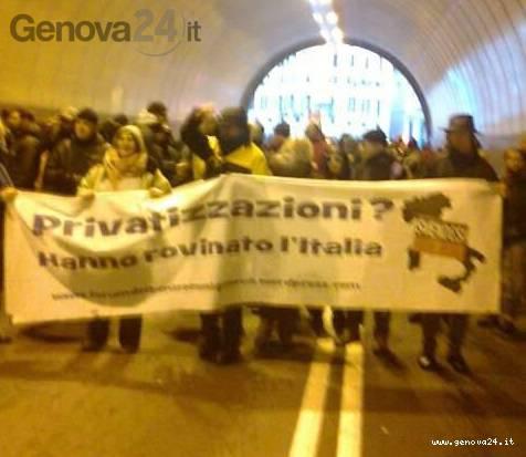 studenti e cittadini manifestazione sostegno amt