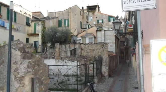 albenga: caruggi e centro storico