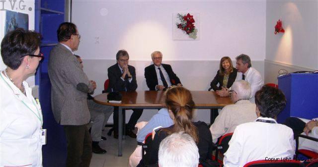 Donazione dell'associazione De Vincenzi all'Oncologia del Santa Corona
