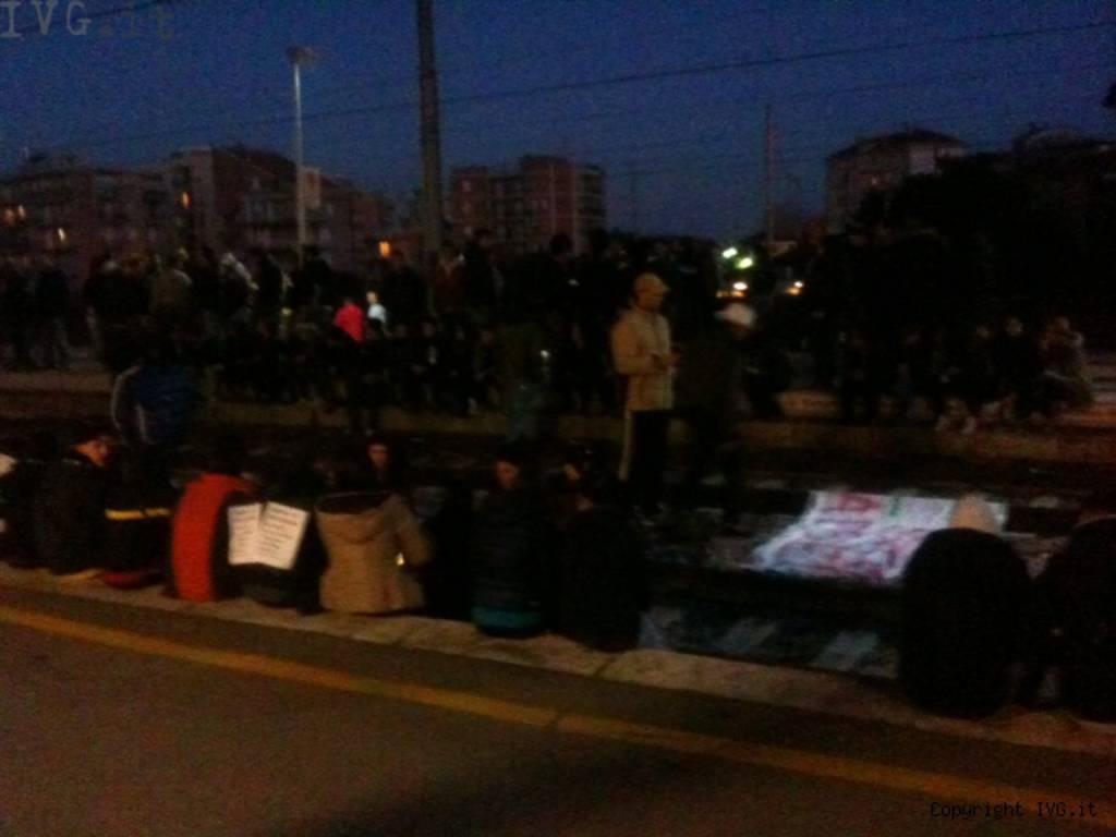 Protesta Forconi: ad Albenga il corteo capitanato dagli Ultras, occupati i binari